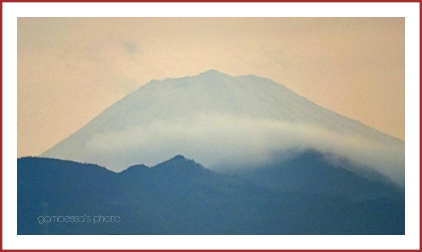 本日は富士山の日