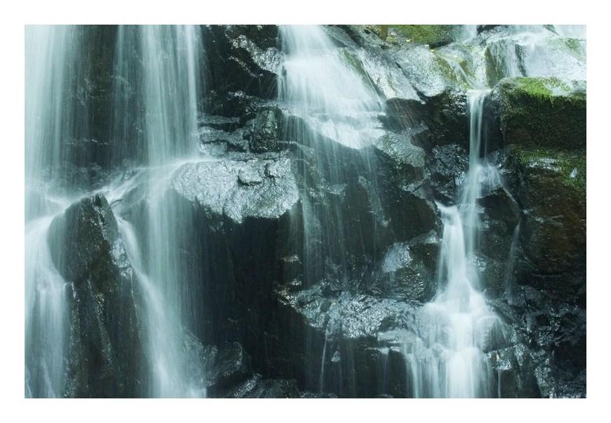 滝・の表情