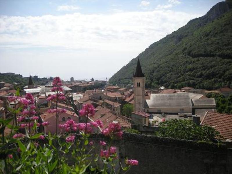 リヴィエラ海岸の古城からの風景