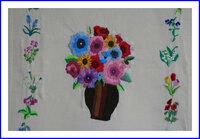 刺繍 花瓶と小花
